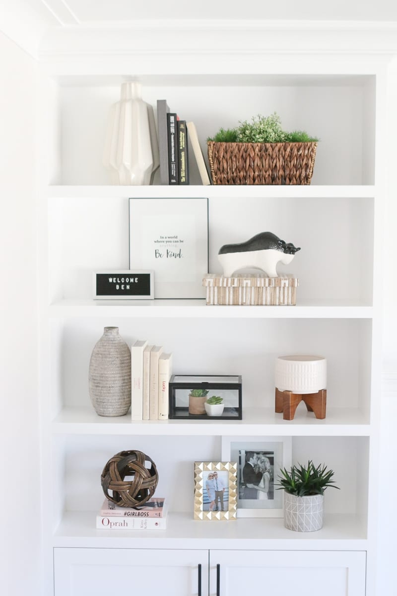 The Dos And Donts Of Decorating Built In Shelves The Diy pertaining to sizing 800 X 1200