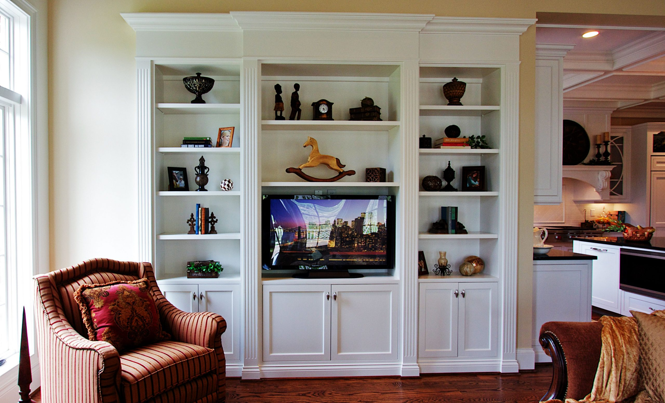 Traditional Built In Bookcase With Tv 40222440 Pixels with proportions 4022 X 2440